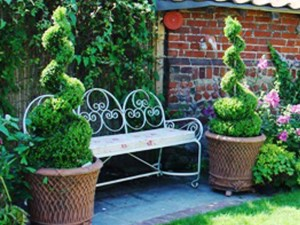 topiary_gallery